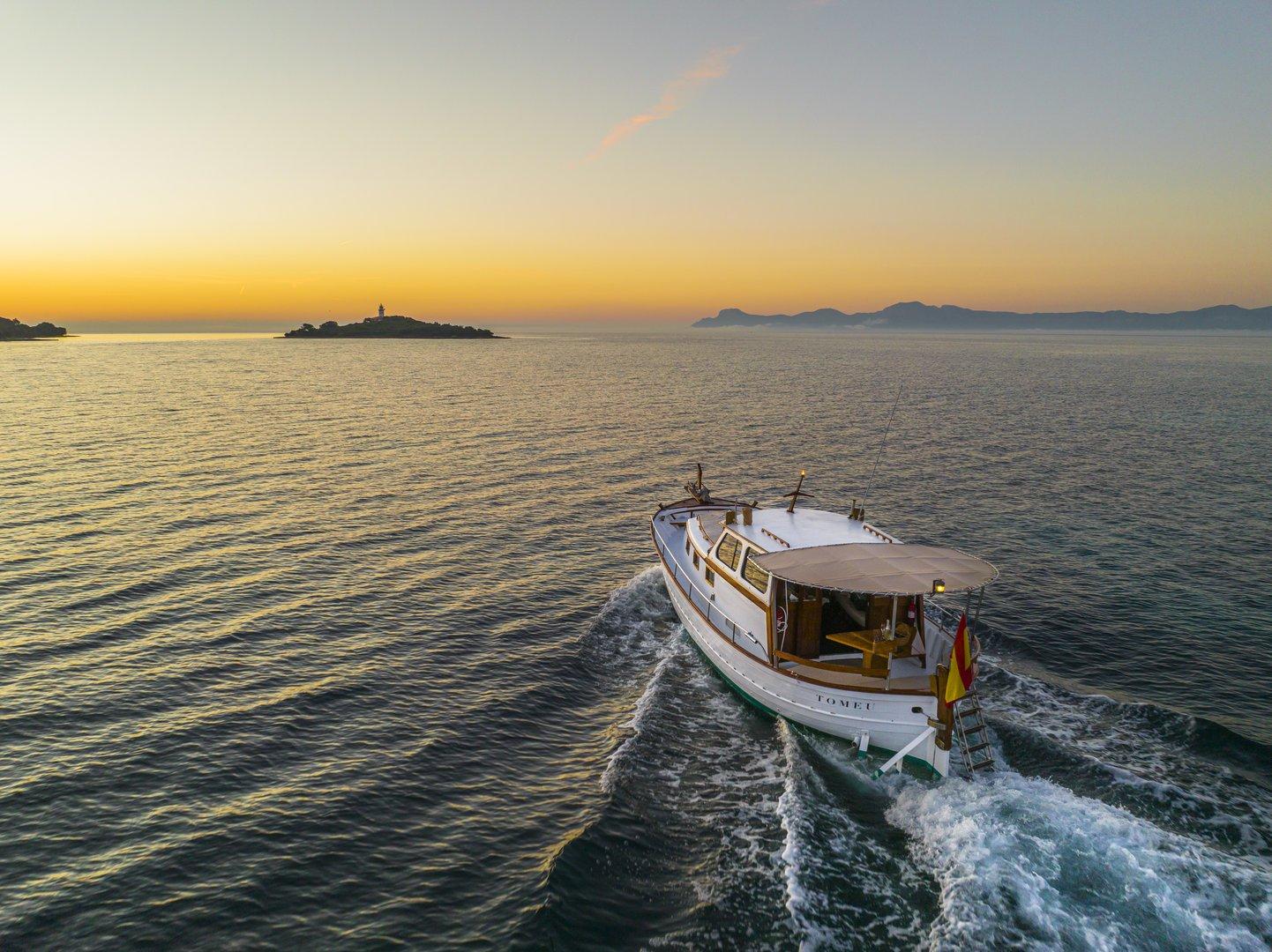 barco privado en Alcudia