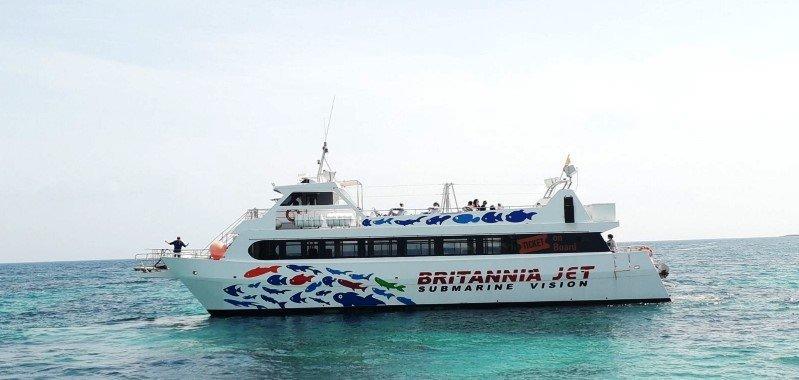 magalluf booze catamaran